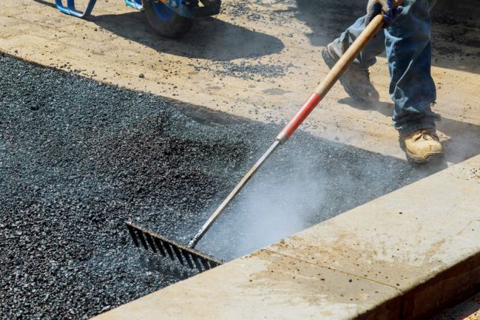 How to Decide When to Repair or Replace Your Asphalt Driveway